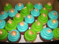 Cupcakes w/ golden seashells