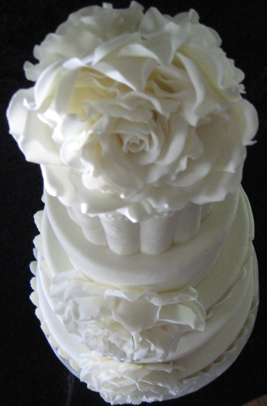 White Rose wedding cake top-down